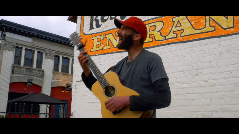 A short documentary about Chuck Sullivan, a singer/guitarist who spends 365 days of the year performing his passion while simultaneously opening doors for incoming customers going to the Mexican Town restaurant, Xochimilco.